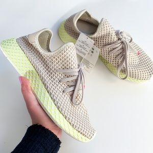 Adidas deerupt runner sneakers